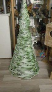 weihnachtsbaum-papierrollen-hellgruen