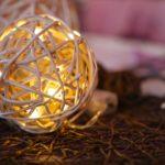 LED-Lichterketten bunt anmalen